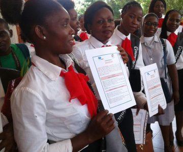 De eerste cursisten voor de opleiding kleuterleidster hebben hun diploma ontvangen.