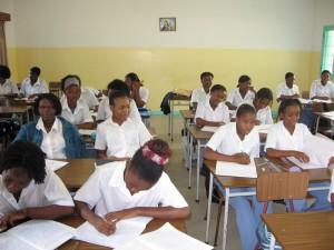 Lezen en schrijven, vooral voor meisjes essentieel om een kans te krijgen in de maatschappij.