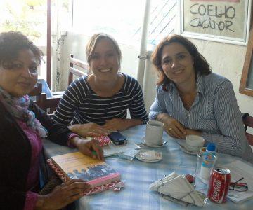 Karin (rechts) en Marjolein (midden) nemen de taken over van Houda (links)